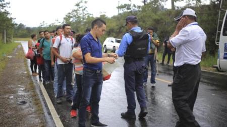 La deportación de inmigrantes hondureños aumentó 31,1 % entre enero y abril