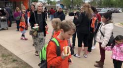 Escuela organiza actividad benéfica para alumna con leucemia