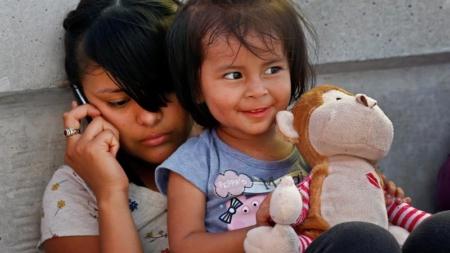 """""""Severas"""" medidas en frontera EEUU-México violan derechos de niños, según ONG"""