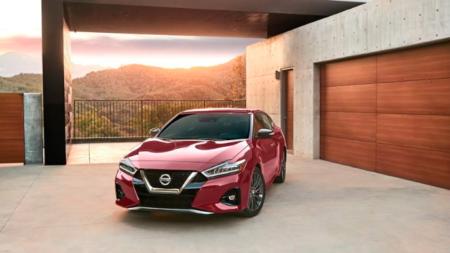 Nissan Maxima: Cómodo, rápido y elegante, pero no deportivo.