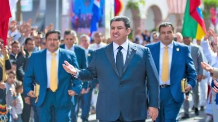 Detienen en EU a Naasón Joaquín García, líder de la Luz del Mundo por 26 delitos