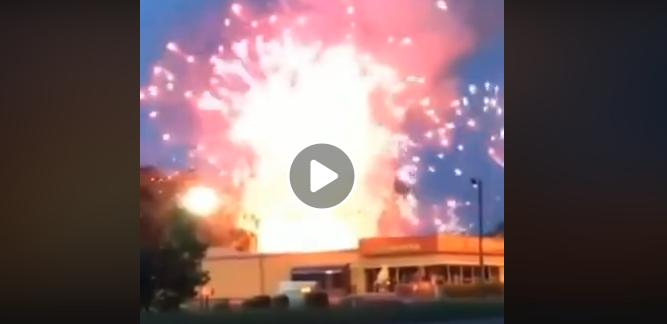Se anticipa el festejo del 4 de julio en esta tienda de fuegos artificiales