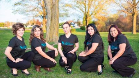 """Latinas Emprendedoras """"Apoyando a niños con espíritu emprendedor"""""""