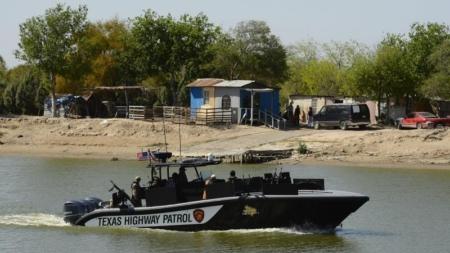Atacan desde México una lancha patrullera de la CBP en el río Grande