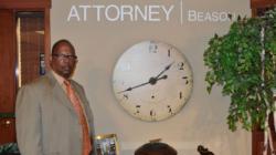 """Abogado John R. Beason: """"Conozca sus derechos"""""""