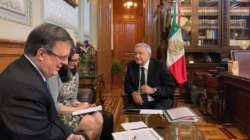 """López Obrador y Trump reafirman """"amistad y cooperación"""" en llamada telefónica"""