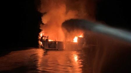 Al menos 4 muertos y 29 desaparecidos tras incendiarse un barco en California