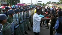 Migrantes africanos siguen protestando en demanda de libre tránsito en México