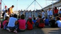 """""""Extranjero"""", la forma """"deshumanizante"""" de Trump al hablar de niños migrantes"""