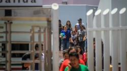 Juez ordena que migrantes con temor a ser devueltos a México tengan abogados