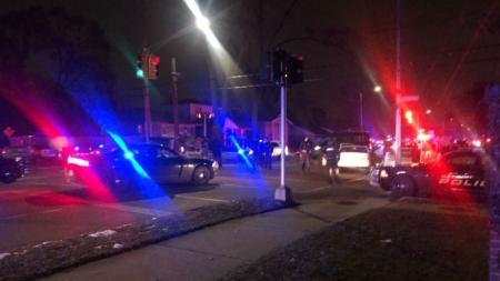 Asesinan a tiros a policía en Detroit