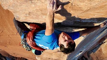 Escalador mundialmente famoso muere al caer de más 300 mts de altura