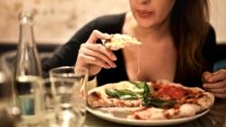 MUJERES: Cenar por la noche riesgo para la salud