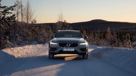 2020 Volvo V60 Cross Country, capaz, hermoso y muy capaz.