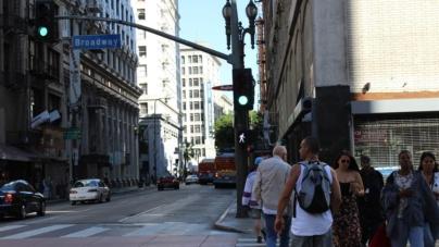 Vivienda e inmigración, prioridades para los jóvenes latinos de California