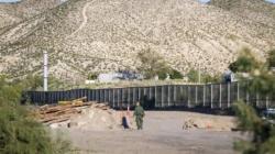 Juez frena tramo de muro que se construía en la frontera con fondos privados