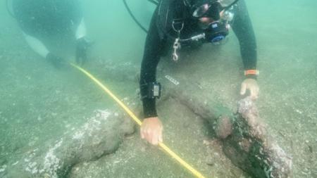 Encuentran anclas que podrían pertenecer a navíos de Hernán Cortés en Veracruz