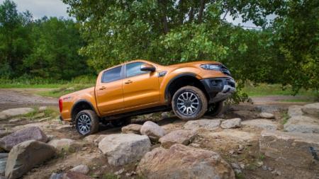 Ford Ranger; provoca tumulto en el sector de camionetas medianas.