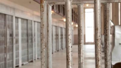 Recomiendan reformas destinadas a reducir los ingresos a la cárcel del condado