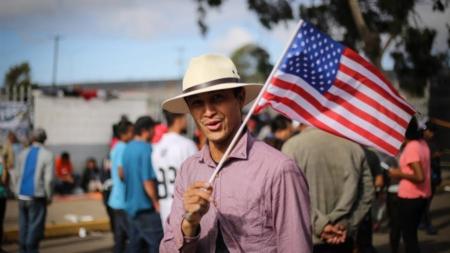 Concejo de Denver aprueba proclamación en favor de migrantes y refugiados