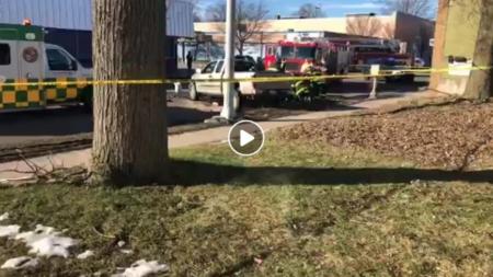Terrible accidente en al S División altura con la Rose en Grand Rapids, MI.