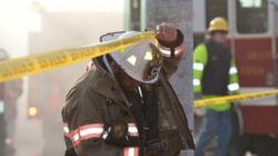 Voraz incendio destruye un edificio y pone en aprietos a los bomberos de Grand Rapids