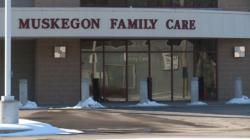 Ex empleados presentan demanda contra Muskegon Family Care