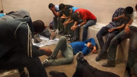 Más de un millar de detenidos por reingresar a través de frontera de Arizona