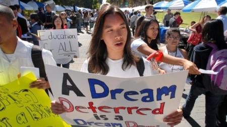Una vía para la legalización, la principal prioridad política de los hispanos