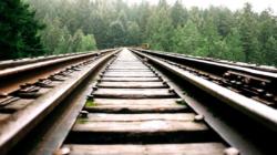 VÍDEO: Por qué es una mala idea una sesión de fotos en las vías del tren