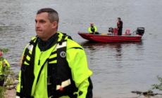 Equipo de búsqueda encuentra el cuerpo de un hombre en el río