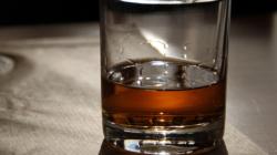 ¿Por qué no se debe beber alcohol durante aislamiento por el Coronavirus?