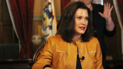 "Whitmer planea extender orden ""Stay Home, Stay Safe"""