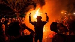 Sigue la violencia en las calles de EE.UU. y Trump culpa a la extrema izquierda