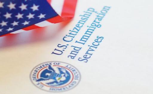 USCIS reanudará servicios al público el 4 de Junio