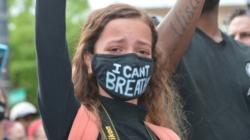 Manifestantes fueron arrestados por desobedecer el toque de queda